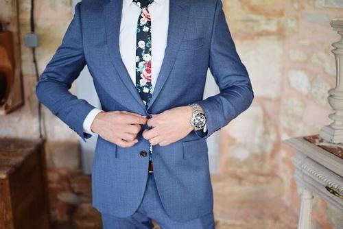 30代スーツ姿