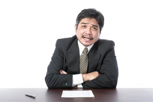 「転職回数が多いのはなぜですか?」と定番の質問をしてドヤ顔の面接官