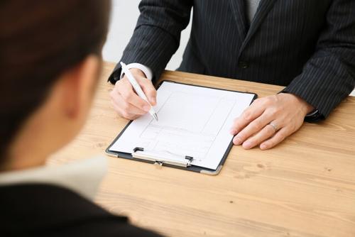 転職エージェントと面接対策中