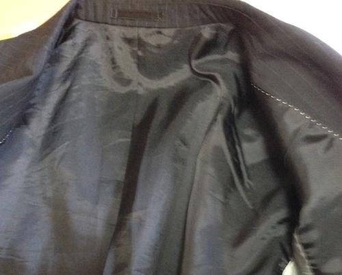 スーツの裏地襟周り